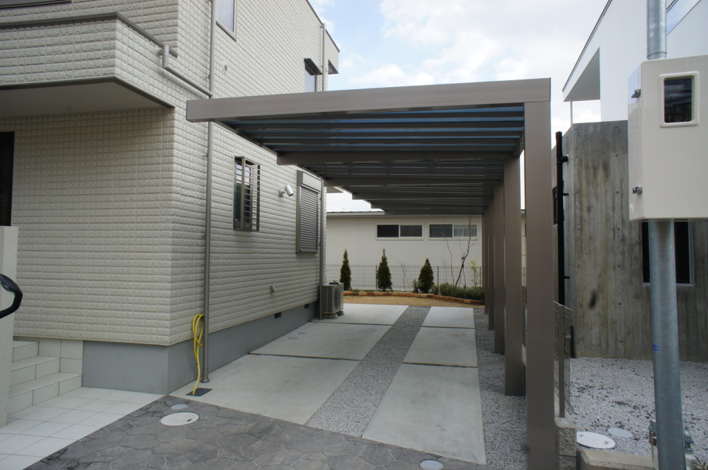 カーポートの設置 (四国化成)