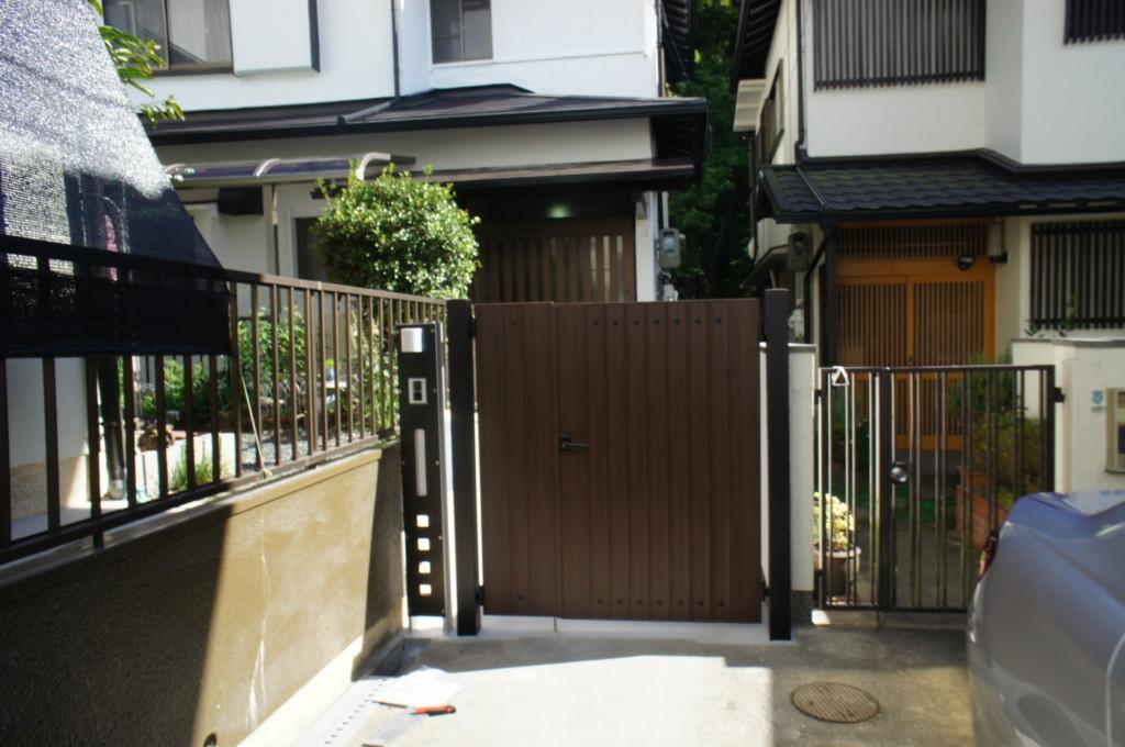 玄関廻りタイル貼り・コンクリート工事・スロープ作成等