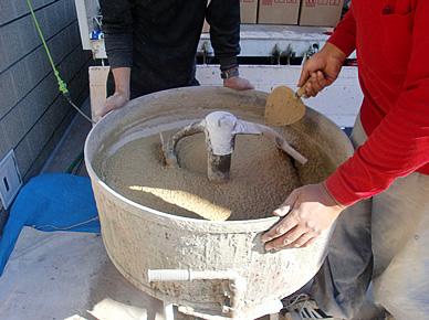天然石洗い出し仕上舗装材施工