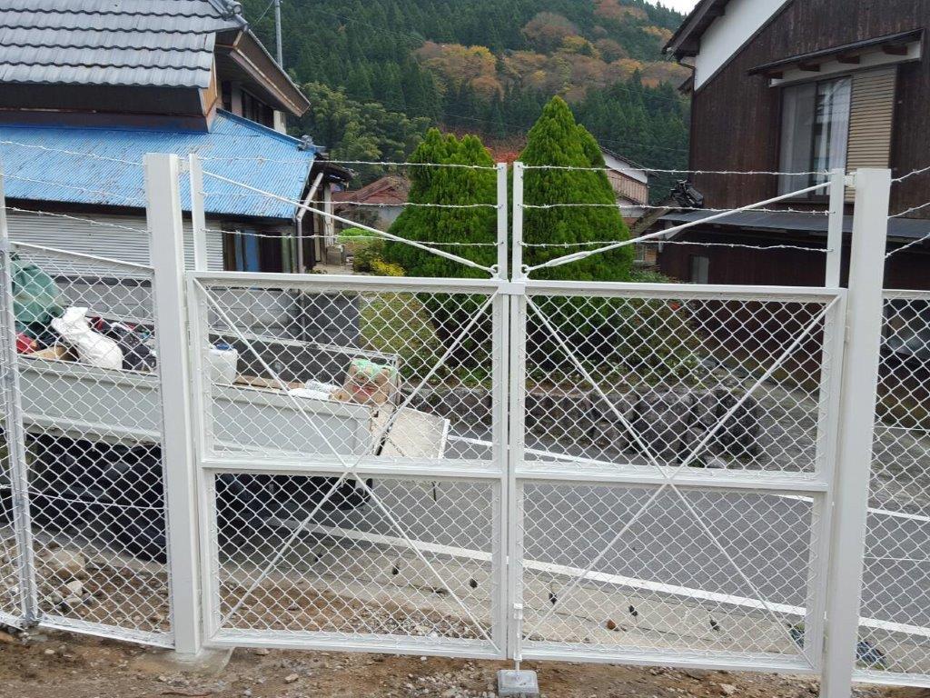 JFE建材・ネットフェンスH1800忍付施工