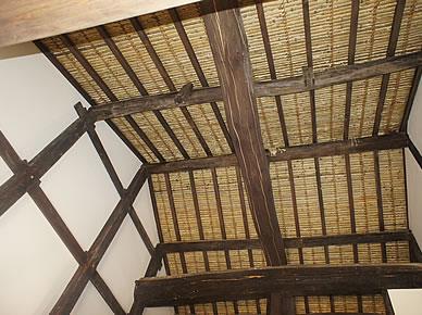 お寺の改修工事  内外装漆喰施工 土間施工