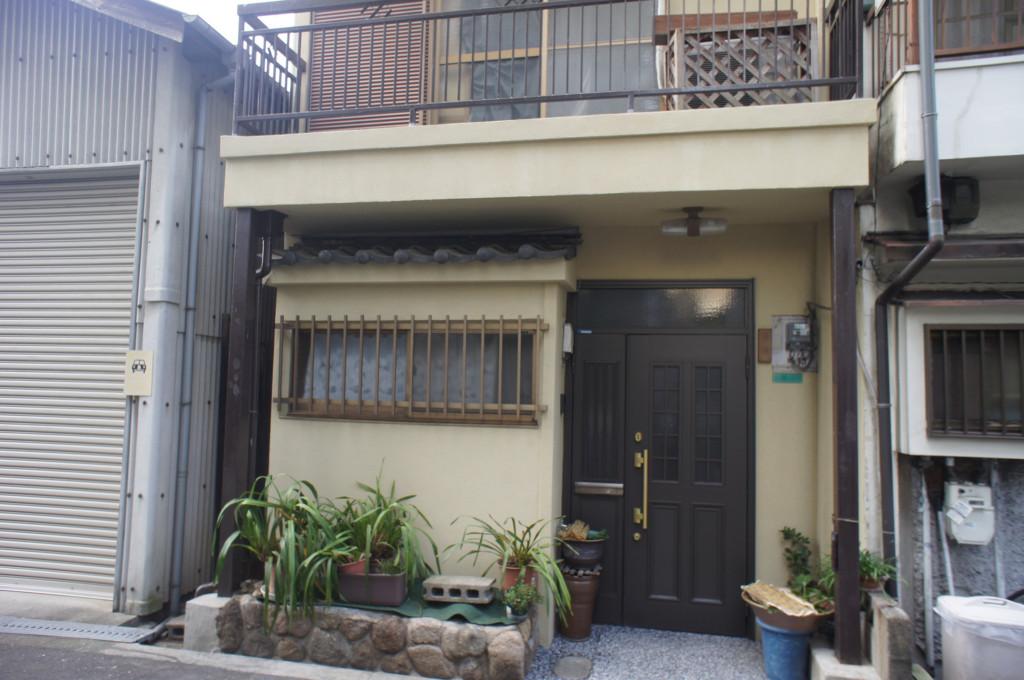 外壁リフォーム+玄関天然石樹脂舗装
