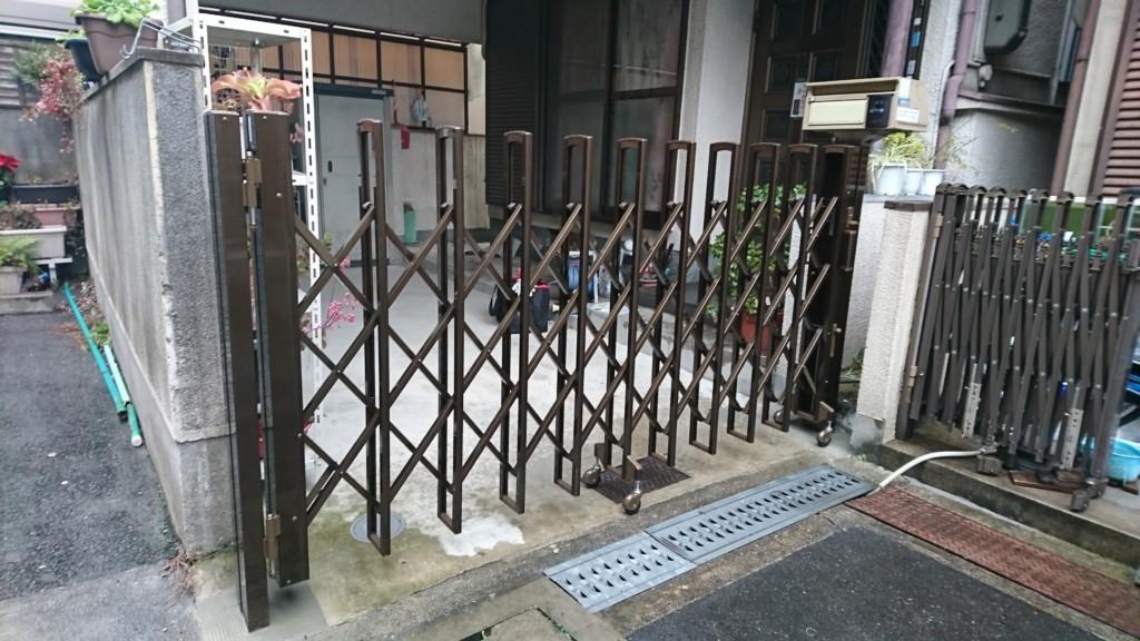 アコーディオン門扉設置工事(四国化成・ニューハピネスHG)