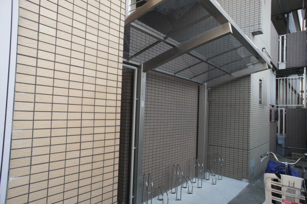 コンクリート施工・サイクルポート・サイクルラック設置(四国化成)
