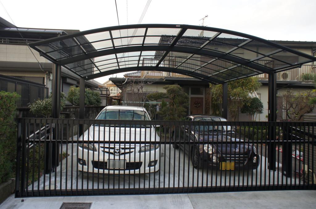 庭の草木・岩を撤去処分・コンクリート施工 カーポート・跳ね上げ門扉設置