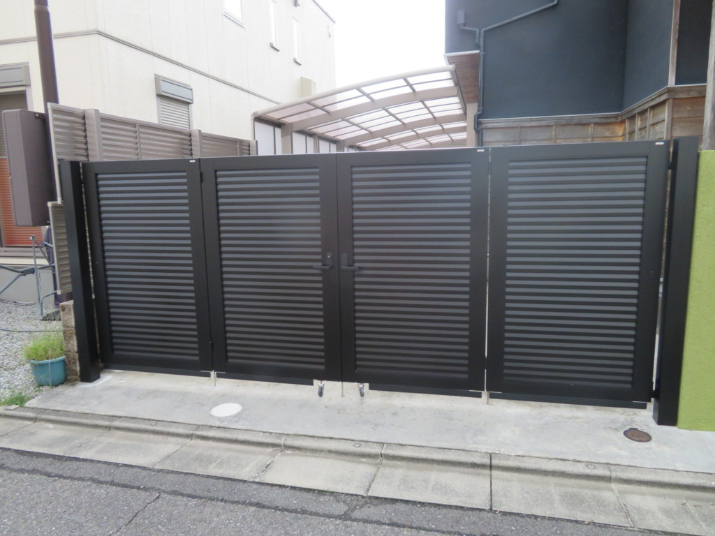 4枚折り扉・片開き門扉・塀の設置