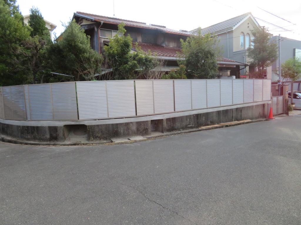 ブロック塀撤去・リブブロック積み・ルーバーフェンス設置工事