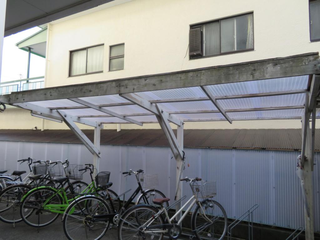 ネットフェンス波板張替・サイクルポート屋根張替工事