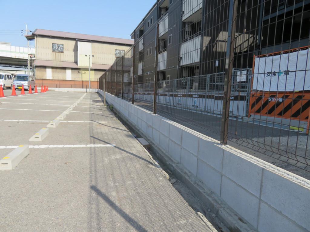 ブロック塀撤去・ブロック1~5段積み・メッシュフェンスH1500設置