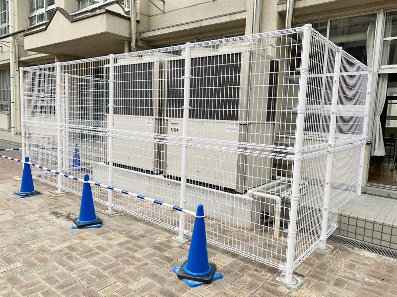 メッシュフェンスH1800・H2400 くぐり門扉設置工事