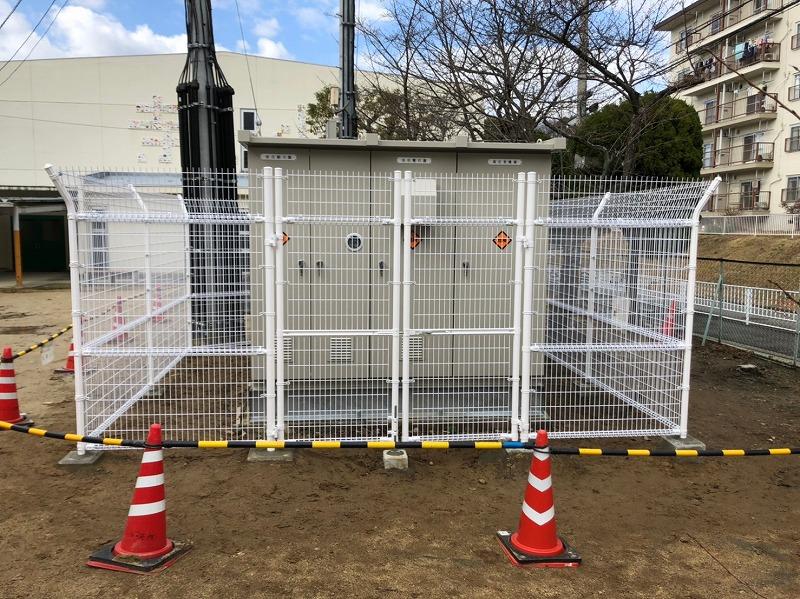 メッシュフェンスH1800外忍び・メッシュフェンス門扉設置