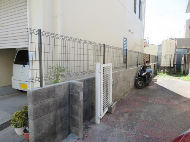 ブロック塀撤去・メッシュフェンス設置工事