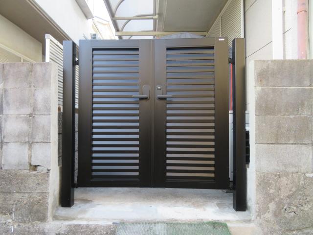 ブロック塀・コンクリート基礎撤去・アルミ門扉設置